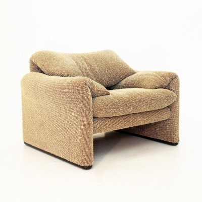 Maralunga arm chair from the seventies by Vico Magistretti for Cassina