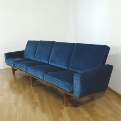 236/4 sofa from the fifties by Hans Wegner for Getama