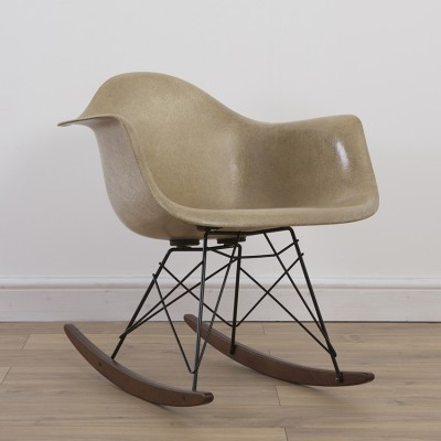 1st Generation Rope Edge RAR rocking chair by Charles & Ray Eames for Zenith Plastics, 1940s