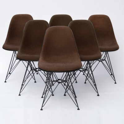 Set of 6 Dining Side Chair DSR Fiberglass dinner chairs from the sixties by Charles & Ray Eames for Vitra