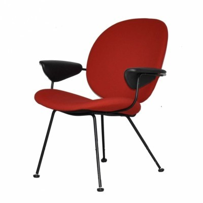 Model 302 lounge chair from the nineties by W. Gispen for Kembo
