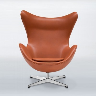 2 Egg lounge chairs from the sixties by Arne Jacobsen for Fritz Hansen