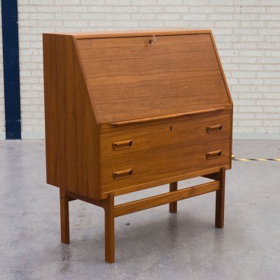 No. 86 cabinet from the sixties by Arne Wahl Iversen for Vinde Møbelfabrik