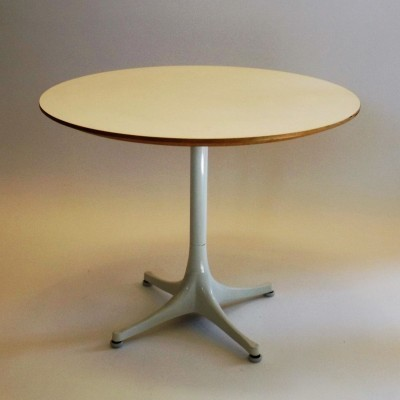Coffee table from the fifties by George Nelson for Herman Miller