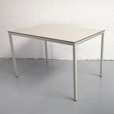 Facet dining table from the fifties by Friso Kramer for Ahrend de Cirkel