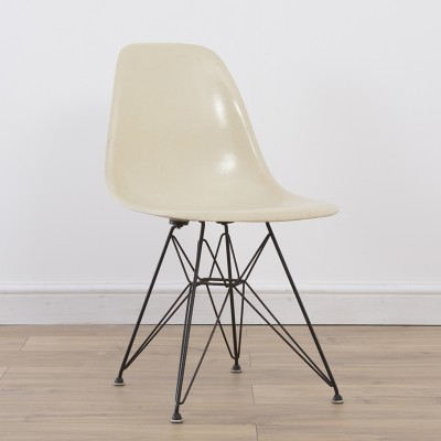1957 Early Venice Stamp Eiffel DSR dinner chair from the fifties by Charles & Ray Eames for Herman Miller