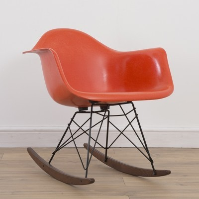 RAR rocking chair from the nineties by Charles & Ray Eames for Herman Miller