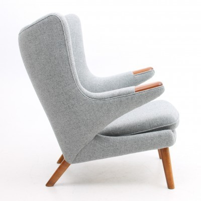 Papa Bear lounge chair from the fifties by Hans Wegner for AP Stolen