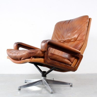 KIng lounge chair from the sixties by André Vandenbeuck for Strässle