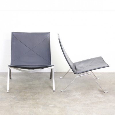 2 PK22 lounge chairs by Poul Kjærholm for Fritz Hansen