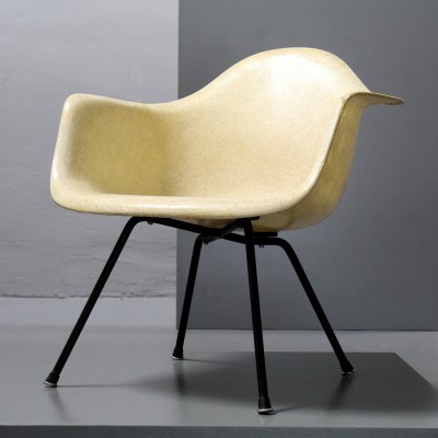 Arm chair by Charles & Ray Eames for Zenith Plastics, 1950s