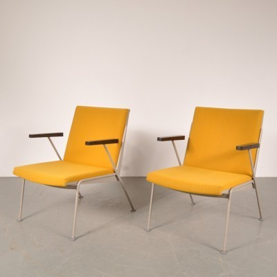2 lounge chairs from the fifties by Wim Rietveld for Ahrend de Cirkel
