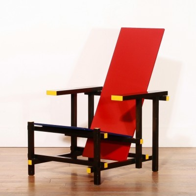 Red & Blue arm chair from the seventies by Gerrit Rietveld & Kho Liang Ie for Cassina