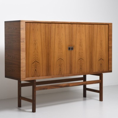 RY 34 sideboard from the fifties by Hans Wegner for Ry Møbler