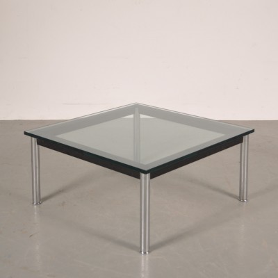 Coffee table from the eighties by Le Corbusier for Cassina