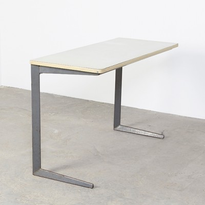 Result writing desk from the fifties by Friso Kramer for Ahrend de Cirkel