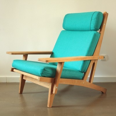 GE 375 lounge chair from the sixties by Hans Wegner for Getama