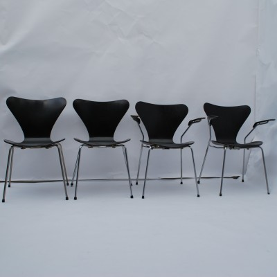 4 3107 Butterfly dinner chairs from the fifties by Arne Jacobsen for Fritz Hansen