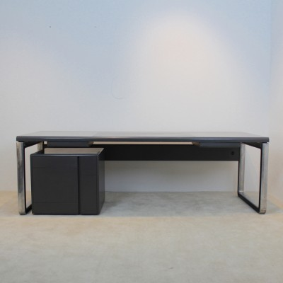 Writing desk by Osvaldo Borsani for Tecno, 1970s