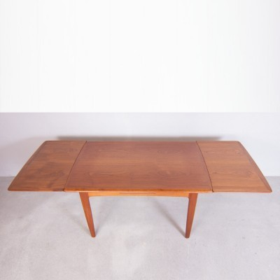 Dining table from the sixties by Arne Vodder for unknown producer