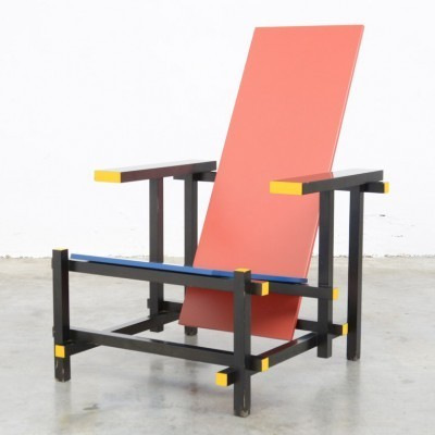 Red & Blue lounge chair by Gerrit Rietveld for Cassina, 1920s