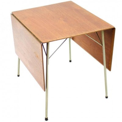 Model 3601 dining table from the fifties by Arne Jacobsen for Fritz Hansen