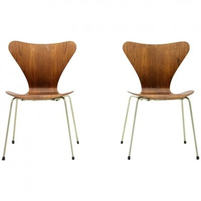 Set of 2 model 3107 dinner chairs from the fifties by Arne Jacobsen for Fritz Hansen