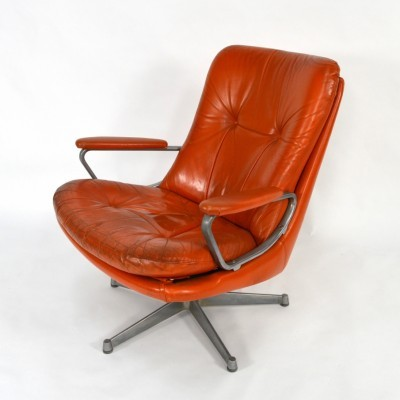 Swivel lounge chair from the sixties by André Vandenbeuck for Strässle