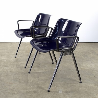Pair of SM203 arm chairs by Tecno, 1980s