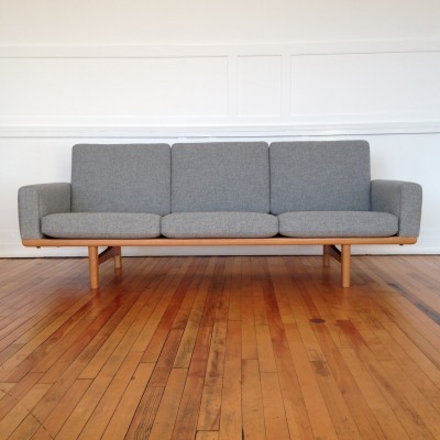 GE-236 sofa from the fifties by Hans Wegner for Getama