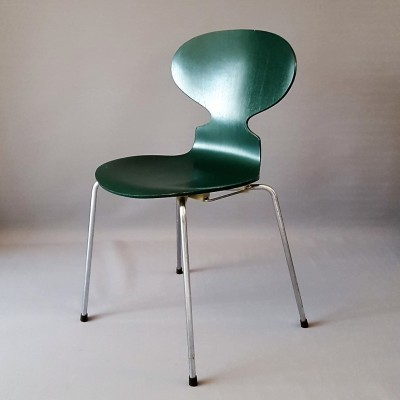Ant dinner chair from the seventies by Arne Jacobsen for Fritz Hansen