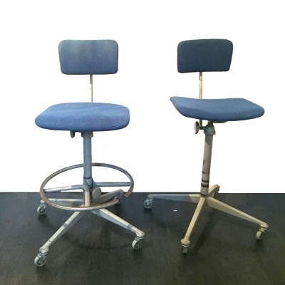 2 office chairs from the fifties by unknown designer for Ahrend de Cirkel