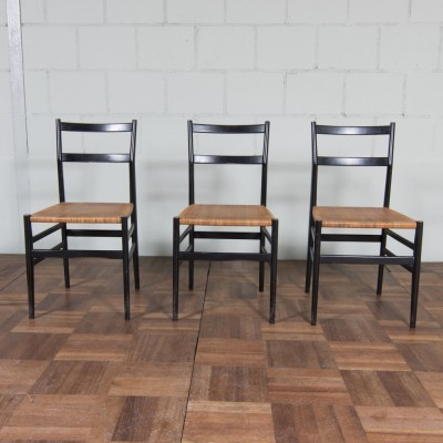 Set of 2 Superleggera dinner chairs from the fifties by Gio Ponti for Cassina