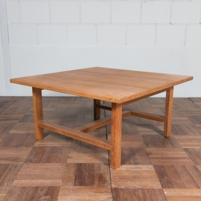 GE290 coffee table from the fifties by Hans Wegner for Getama