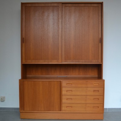 Cabinet from the sixties by Carlo Jensen for Hundevad & Co