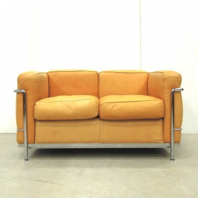 LC2 sofa from the twenties by Le Corbusier for Cassina