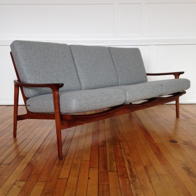 New Yorker sofa by Guy Rogers, 1960s