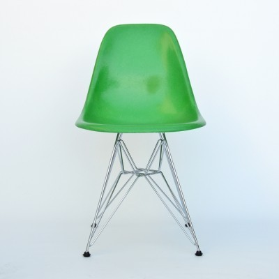 DSR dinner chair from the fifties by Charles & Ray Eames for Herman Miller