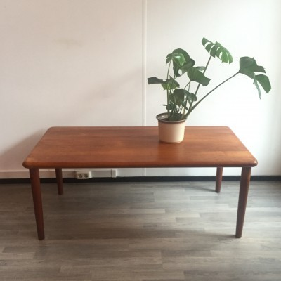 Coffee table by Grete Jalk for Glostrup Møbelfabrik, 1960s