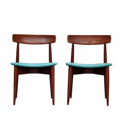 2 Model 250 dinner chairs by Henry W. Klein for Bramin