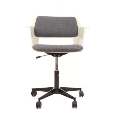 Model 2712 office chair from the seventies by André Cordemeyer for Gispen