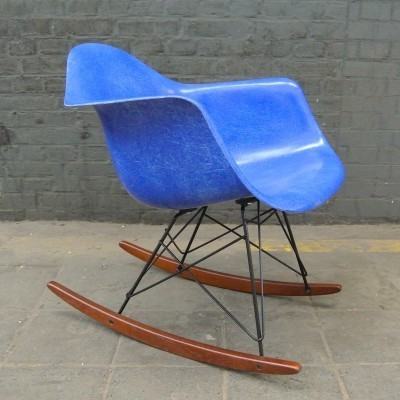 RAR Ultramarine Blue rocking chair from the fifties by Charles & Ray Eames for Herman Miller