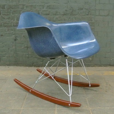 RAR Navy Blue rocking chair by Charles & Ray Eames for Herman Miller, 1950s