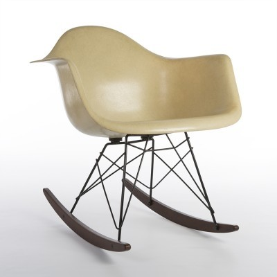 2nd Edition Zenith RAR rocking chair from the fifties by Charles & Ray Eames for Zenith Plastics