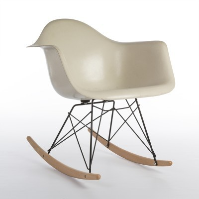 RAR rocking chair from the sixties by Charles & Ray Eames for Herman Miller