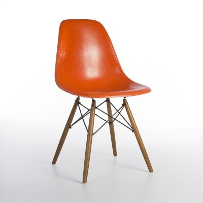 DSW Dowel Eiffel dinner chair from the sixties by Charles & Ray Eames for Herman Miller