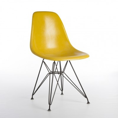 DSR Eiffel Side Shell dinner chair from the sixties by Charles & Ray Eames for Herman Miller