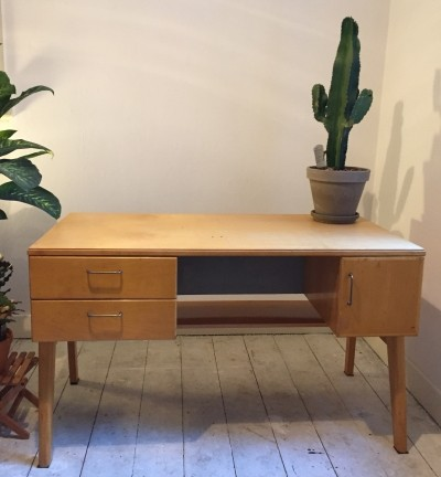Writing desk from the sixties by unknown designer for Everest