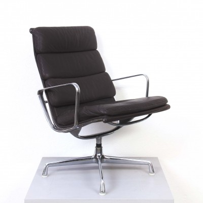 Softpad EA 215 arm chair from the sixties by Charles & Ray Eames for Herman Miller