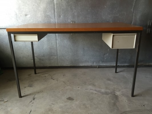 Writing desk from the fifties by Tjerk Reijenga for Pilastro